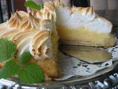 Sitruunatorttu Piece Of Cakes, Spanakopita, Camembert Cheese, Cake Recipes, Sweets, Baking, Ethnic Recipes, Desserts, Food