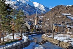 Viajamos al Pirineo catalán en Lérida para conocer el pueblo de Esterri d'Aneu, uno de los de mayor encanto de la zona