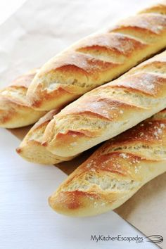 Easy French bread recipe is a real thing! This amazing homemade french bread makes 4 gorgeous baguettes that are crunchy on the outside and chewy insiade Easy French Bread Recipe, Homemade French Bread, Homemade Baguette Recipe, Authentic French Baguette Recipe, Fresh Yeast Bread Recipe, Italian Bread Recipes, French Recipes, Homemade Breads, Baguette