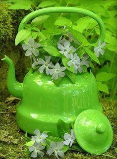 tea kettle vase