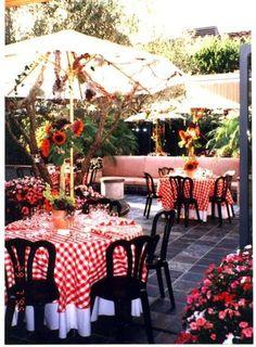 Checkered Tablecloth, Outdoor Tablecloth, Outdoor Umbrella, Round Tablecloth, Italian Party Decorations, Italian Centerpieces, Party Centerpieces, Italian Themed Parties, Italian Party Themes