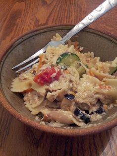 Tuna pasta salad for dinner.i would use can chicken Creamy Pasta Bake, Tuna Pasta Bake, Tuna Salad Pasta, Pasta Recipes, Salad Recipes, Pasta Meals, Healthy Recipes, Healthy Tuna, Healthy Eating