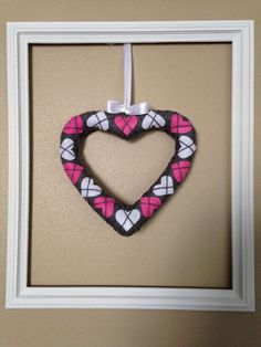Simple and Sweet Argyle Valentine Heart Wreath :: Hometalk