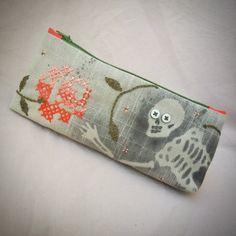 Mit Reißverschluss Knopf Augen Schädel Tasche mit von MrMarsuka