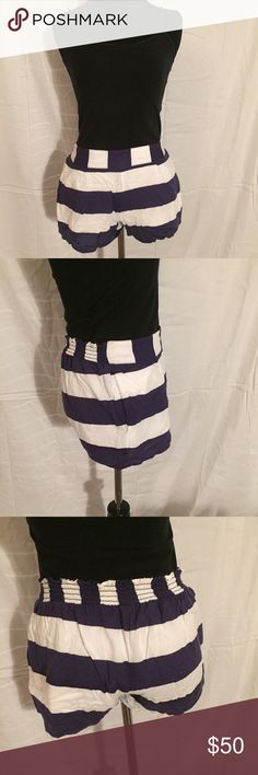 splendid navy & white striped linen shorts size M splendid navy & white striped linen shorts size M. Gently used. No signs of wear. 100% Authentic. Reasonable offers are welcome. No trades. Splendid Shorts