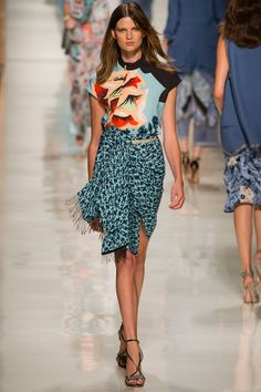 Etro Spring 2014 RTW - Runway Photos - Fashion Week - Runway, Fashion Shows and Collections - Vogue Fashion Prints, Love Fashion, Runway Fashion, Spring Fashion, High Fashion, Fashion Show, Fashion Design, Milan Fashion, Haute Couture Style