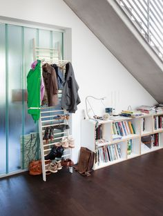 Shoe rack ZEUGWART - Design by Alexander Schmied
