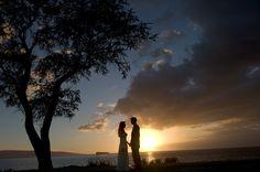 サンセットフォトが魅せる、幻想的なシーンを残したい! | ハワイ挙式ならクラシコウェディング