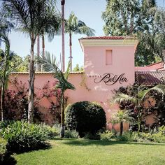 Here are some of my favorite places to take relaxing weekend staycation getaways from Los Angeles - Portofino, Hotel Bel Air, Ojai Valley Inn and Terranea! Bel Air Los Angeles, Los Angeles Travel, Hotel Bel Air, Beverly Hills Restaurants, Beautiful Hotels, Amazing Hotels, Ocean Photography, Photography Tips, Exotic Places