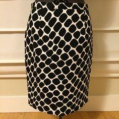 Michael Kors Black White Reptile Animal Print Women's Straight Skirt Sz 8P  #MichaelKors #StraightPencil