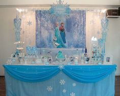 Cool decoration ideas for your frozen party it does not half to be this extreme you could change it if you wanted