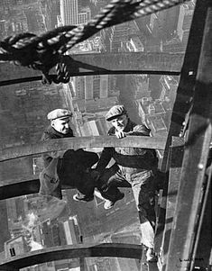Iron Workers: Rockefeller Center: 1930's.......Photo by Charles Ebbets - Pixdaus