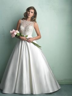 Allure Bridals : Allure Collection : Style 9152 : Available colours : White/Silver, Ivory/Silver, Champagne/Silver (Shown in Ivory/Silver with matching waistband)