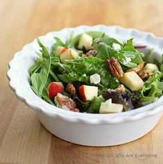 candied pecan, apple and gorgonzola salad