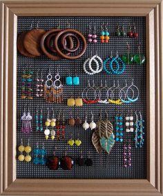 I love organizing jewelry! zoeycatherine