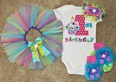 Cupcake First Birthday Outfit by sassysistabowtique on Etsy, $70.00 First Birthday Cupcakes, First Birthday Outfits, Girl First Birthday, Little Boy Outfits, Baby Pig, Tutu Ideas, Little Babies, Future Children, First Birthdays