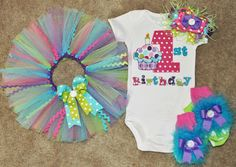 First Birthday Cupcake Outfit by sassysistabowtique on Etsy, $70.00