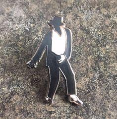 "MICHAEL JACKSON ""CROTCH GRAB"" ENAMEL PIN BADGE | KING OF POP | TRIBUTE MJ DANCE | eBay"