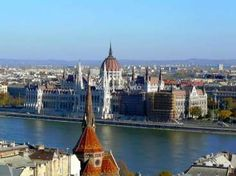 Workaway in Hungary. Help out in a small hostel in the heart of Budapest, Hungary Magical Vacations Travel, Vacation Trips, Dream Vacations, Oman Tourism, Republica Moldova, Budapest Things To Do In, Buda Castle, Sustainable Tourism, Tour Operator