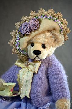 Missy - created from German Schulte Mohair. www.vickylougher.com #artistbear #artistbears #teddybear #teddy #handmade