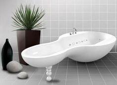 Weird bathtub, but it's kind of cool.