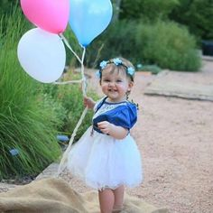 Cowgirl dress for birthday and family outfit photo ideas!!