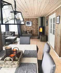 for hytteinteriør Visit https:// for endorsed products with big discounts.Bilderesultat for hytteinteriør Visit https:// for endorsed products with big discounts. Interior Exterior, Interior Architecture, Cabin Design, House Design, Mountain Cabin Decor, Living Room Wood Floor, Wood Stain Colors, Modern Log Cabins, Cabin Interiors