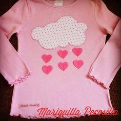 Camiseta lluvia de corazones