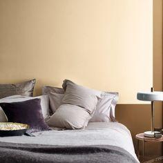   HAZLO TU MISM@    Si quieres un dormitorio de lo más cálido, combina nuestro #ColorDelAño2019 , Miel Especiada, con un beige roto 😍   #pintoconinmacelis  #pintura  #dormitorio  #tendencia  #home  #decor  #decor  #decoración  #MielEspeciada  #habitación  #cama  #descansar @bruguer Beige, Throw Pillows, Home, Honey, Beds, Yurts, Trends, Pintura, Cushions
