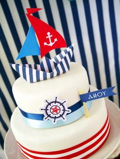 Preppy Nautical Birthday Party with DIY ideas on decorations, printables, food and favors - Great red, white and blue of July or memorial day. Nautical Cake, Nautical Party, Deco Theme Marin, Art Festa, Party Giveaways, Bird Party, Cake Blog, Cakes For Boys, 1st Birthday Parties