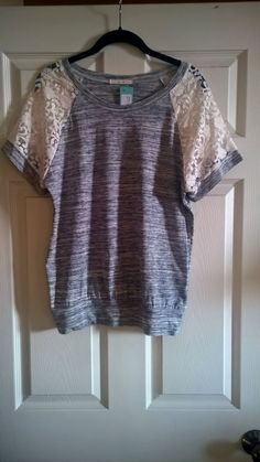 LOVE LOVE LOVE this top!!  I think I'm in love with Le Lis brand!!!!  Want!!!! Le Lis Polli Lace Detail Knit Top