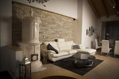 #stufecollizzolli #stufe #handmade #madeinitaly  #home #designhome #homedecor #desing #casa #arredamento #arredamentocasa #arredo #house #housedesign #luxuryhomes #interiordesign #luxinterior #luxuryinterior #livingroom #fuoco #chalet #baita #loft #stube #kachelofen #stove #woodstove #calore #trentino #kamin #stufa #ceramica #legna #tirolese #decorata #fattoamano #maiolica #personalizzata