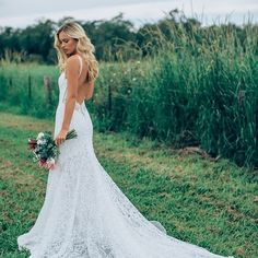 I've been smitten with @madewithlovebridal since seeing these stunning gowns at @hautebridedesign! How fabulous is the back on Danni?!