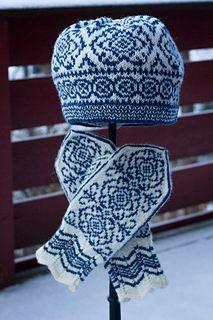 Ravelry: Winter Rose Hat/Vinterrose Lue pattern by Wenche Roald Knitted Mittens Pattern, Fair Isle Knitting Patterns, Knit Mittens, Knitted Gloves, Knitting Socks, Knitting Designs, Hand Knitting, Norwegian Knitting, Knit Crochet