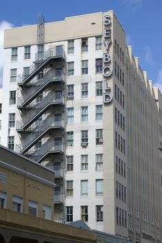 The Seybold Building in Downtown Miami, Florida, the place to buy jewelry