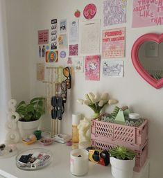 Pastel Room Decor, Indie Room Decor, Cute Room Decor, Pastel Bedroom, Room Design Bedroom, Room Ideas Bedroom, Bedroom Inspo, Room Ideias, Chambre Indie
