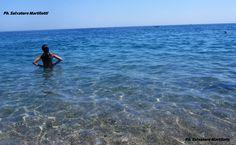 Dalla spiaggia dei pescatori il mare del primo giorno di agosto è senza spiegazioni! Ph. Salvatore Martilotti
