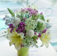 #sayitwithflowers #flowerboutiqu3 #minimalist #simplicity #flowerpower #instaflower #flowerstagram #Flowers #flowersmagic #flowerslovers #flowerarrangement#jakartaflorist #trustedflorist #birthday #anniversary #floristjakartapusat #bunga #tokobungajakarta #buketjakarta #flower #onlineflorist #handbouquet #handbouquetjakarta #jakartabunga #bungajakarta #ferreromurah #ferrerobouquet #chocobouquet #freshflowers #roses