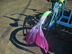 mermaid bike - makes me smile! Africa Burn, Bike Decorations, Bike Parade, Burning Man 2016, Mermaid Parade, Burning Man Outfits, Unicorns And Mermaids, Kids Bike, Bike Art