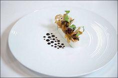 Chef Thomas Raquel - L'art de dresser et présenter une assiette comme un chef de la gastronomie... > http://visionsgourmandes.com > http://www.facebook.com/VisionsGourmandes . Vous aimez Visions Gourmandes ? Alors participez en partageant cette photo ! ;) #gastronomie #gastronomy #chef #presentation #presenter #decorer #plating #recette #food #dressage #assiette #artculinaire #culinaryart #design #culinaire