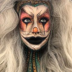 With over 10 years of experience and advanced education, @abbe_jo has dedicated her talent to helping women look their best. In her spare time, she specialises in transformative makeup, turning herself into different creatures from her imagination. More: blog.furlesscosme...