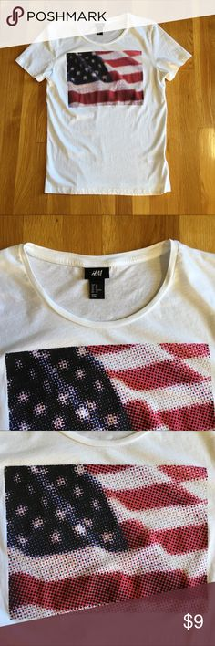 """H&M American Flag Tee Sz S 🇺🇸 H&M American Flag Tee-Shirt Size Small. 100% Cotton. Unique flag design. Very good condition. Length is about 26"""", width under armpits about 18"""". It was kept in a smoke free home. H&M Shirts Tees - Short Sleeve"""