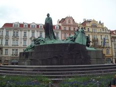 Prague Walking Tour - What to See in Prague | The Lost Girls...........I have always wanted to visit Eastern Europe, especially Prague,