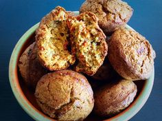 Projice sa ajvarom 1 s Serbian Recipes, Breakfast Recipes, Healthy Living, Recipies, Muffin, Food And Drink, Cooking Recipes, Yummy Food, Bread Pizza