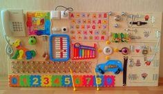 Tablero ocupado: 35 diferentes elementos. Tamaño: 120 x 60 centímetro  Juguete para niños de 6 meses y hasta 4 años. Desarrollo de tablero ocupado * coordinación * imaginación * perseverancia * habilidades de uso de cerraduras simples * finas habilidades motoras =============================== Atención!!!!!! Todos los productos en el almacé...