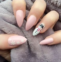 Manicura navideña: ¡las fiestas en la punta de tus dedos! - #de #dedos! #en #fiestas #la #las #Manicura #navideña: #punta #tus Christmas Gel Nails, Holiday Nails, Minimalist Nails, Cow Nails, Fall Acrylic Nails, Nagel Gel, Dream Nails, Stylish Nails, Nails Inspiration