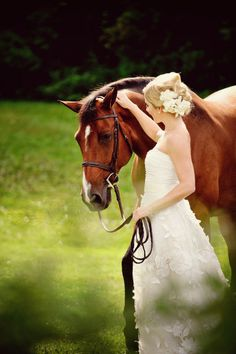Love the picture of this beautiful bride and the beautiful horse. Jess + Nate Studios Photography