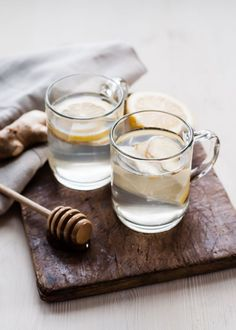 ginger lemon honey tea | 10 natural remedies for the common cold//