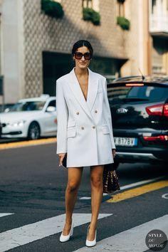 Milan Fashion Week Street Style, Casual Street Style, Casual Chic, Fashion Foto, Dress Fashion, Casual Summer Outfits For Women, Blazer Dress, Mode Inspiration, Ideias Fashion