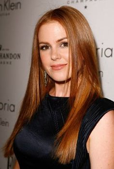 Isla Fisher hair- long and straight. such a pretty strawberry.
